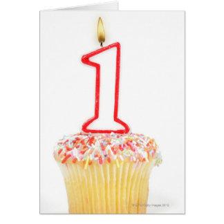 Cartes Petit gâteau avec une bougie numérotée 10