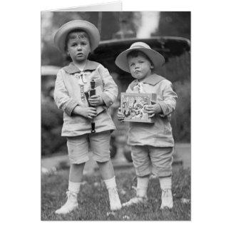 Cartes Petits garçons avec Toys, 1915