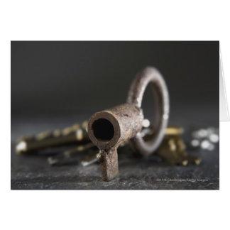 Cartes Plan rapproché d'une clé dans un porte-clés