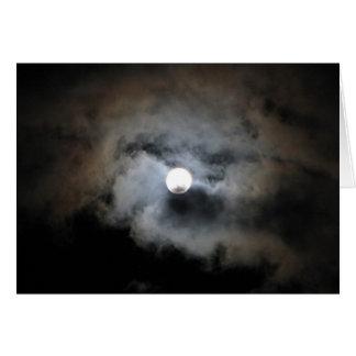 Cartes Pleine lune avec des nuages