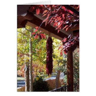 Cartes Poivrons rouges dans le feuillage d'automne du