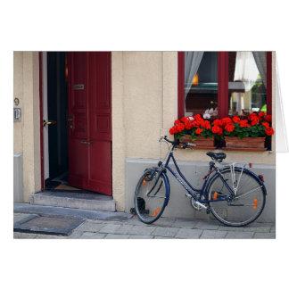Cartes Porte ouverte de Bruges avec la bicyclette