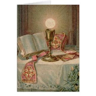 Cartes Prêtre catholique d'eucharistie de missel de