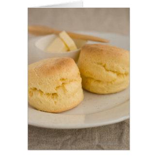 Cartes Scone simple avec du beurre du plat