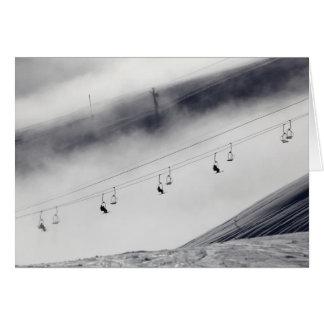 Cartes Skieurs sur un ascenseur de chaise