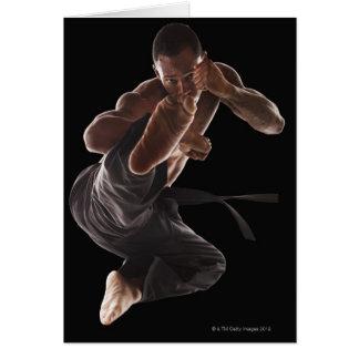 Cartes Studio tiré du praticien d'arts martiaux dedans