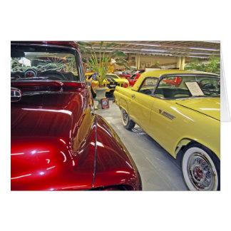 Cartes Voitures vintages dans le musée d'automobile de