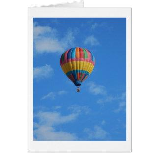 Cartes Vol chaud de ballon à air d'arc-en-ciel dans le