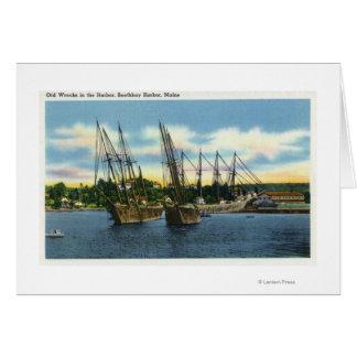 Cartes Vue de vieux naufrages dans le port