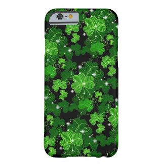 Cas chanceux de l'iPhone 6 de shamrocks Coque iPhone 6 Barely There