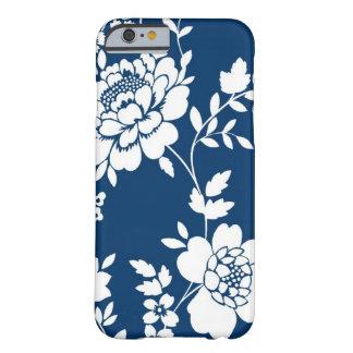 Cas de l'iPhone 6 de conception de fleur bleu-fonc Coque iPhone 6 Barely There
