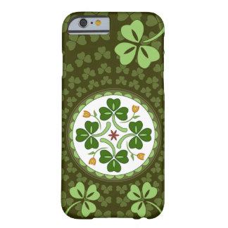 cas de l'iPhone 6 - sortilège irlandais de bonne c Coque Barely There iPhone 6