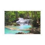 Cascade dans la forêt tropicale toile tendue sur châssis
