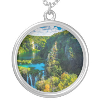 Cascade élégante pittoresque, Croatie Collier