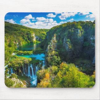Cascade élégante pittoresque, Croatie Tapis De Souris