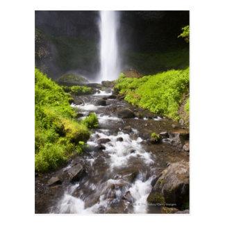 Cascade et rivière brouillées cartes postales