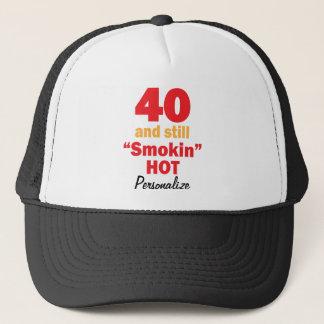 Casquette 40 et toujours nom chaud de l'anniversaire  