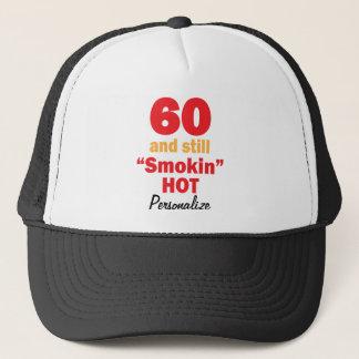 Casquette 60 et toujours nom chaud de l'anniversaire |