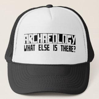 Casquette Archéologie quoi encore est là ?