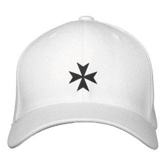 Casquette brodé noir de croix maltaise