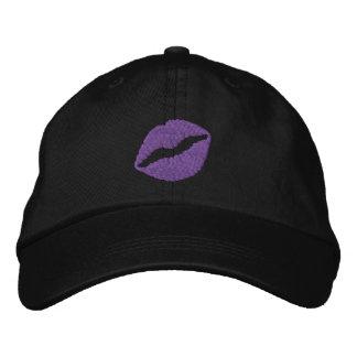Casquette brodé par noir de lèvres froissé par