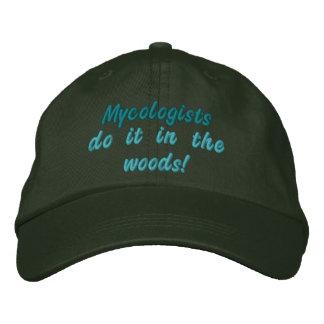 Casquette Brodée Les Mycologists le font dans les bois !
