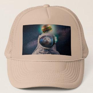 Casquette Chat d'astronaute regardant l'hamburger