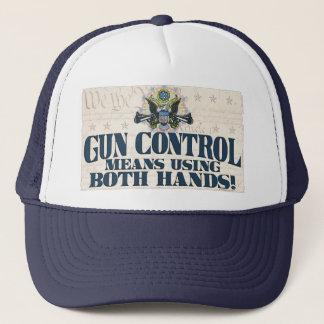 Casquette Contrôle des armes : Utilisant les deux mains Arme