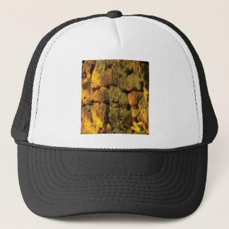 Casquette couche de pierres jaunes