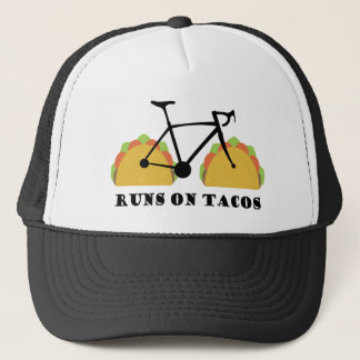 Casquette Courses sur des tacos