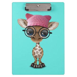 Casquette de port de chat de girafe mignonne de