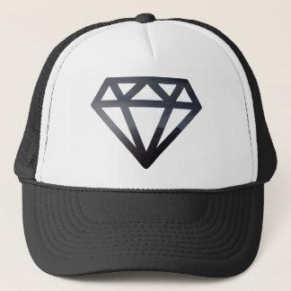 Casquette Diamant découpant un paysage sombre