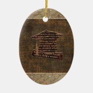 Casquette d'obtention du diplôme et diplôme, ornement ovale en céramique