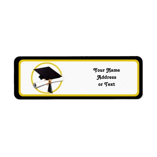 Casquette et diplôme d'obtention du diplôme étiquette d'adresse retour