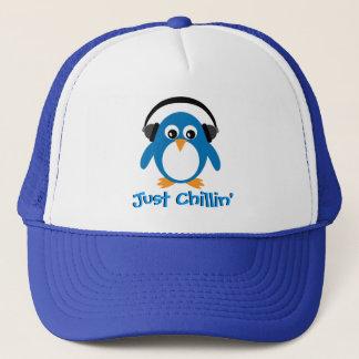 Casquette Juste pingouin de Chillin avec des écouteurs