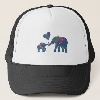 Casquette L'éléphant étreint la maman et le bébé