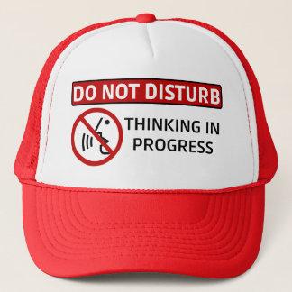Casquette NE DÉRANGEZ PAS : Pensée en cours (Red Hat)