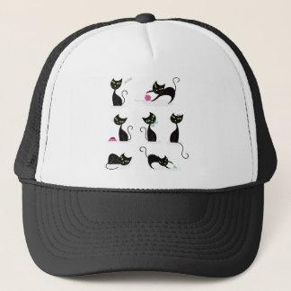 Casquette Noir de chatons sur le blanc