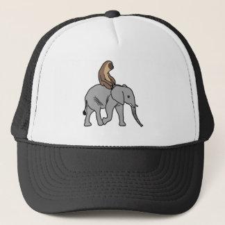 Casquette Paresse mignonne montant un éléphant