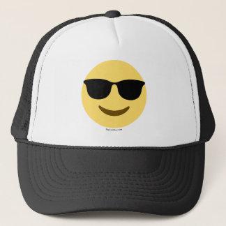 Casquette Smiley Emoji avec une lunette de soleil cool