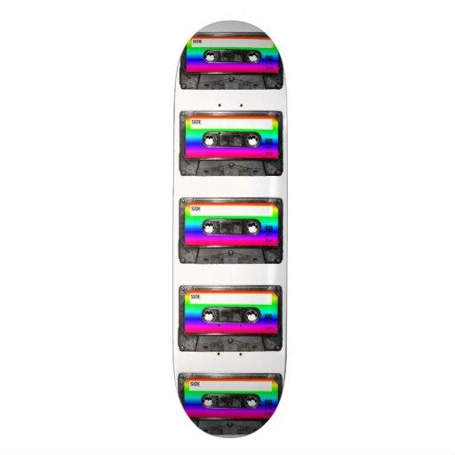 Cassette d'étiquette d'arc-en-ciel skateboards customisés
