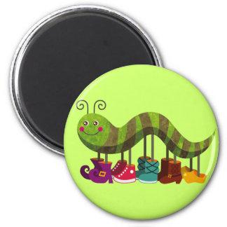Caterpillar malicieux magnet rond 8 cm