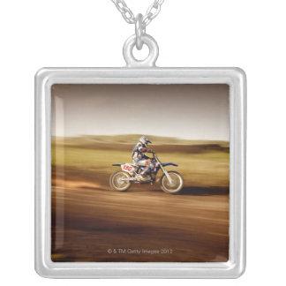 Cavalier 2 de motocross collier