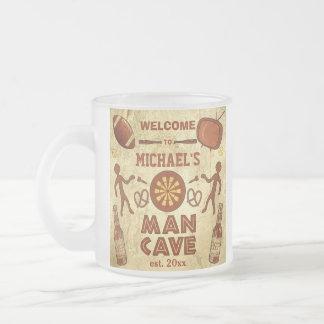 Caverne drôle d'homme avec votre coutume nommée mug en verre givré