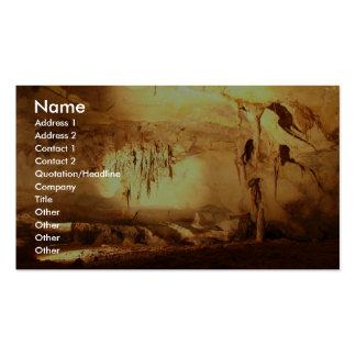 Caverne extraordinaire avec des aiguilles modèle de carte de visite