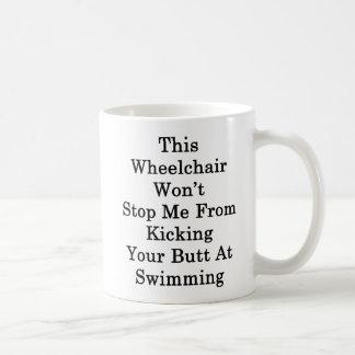 Ce fauteuil roulant ne m'arrêtera pas de donner un mug