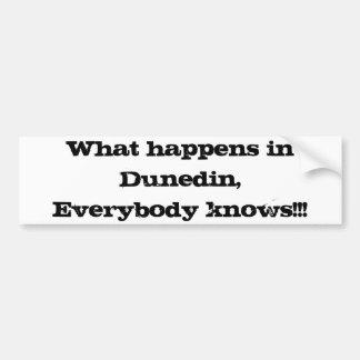 Ce qui se produit à Dunedin Autocollant De Voiture