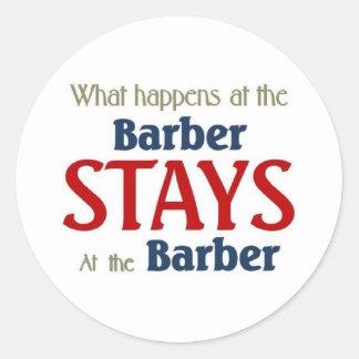 Ce qui se produit aux séjours de coiffeur au sticker rond