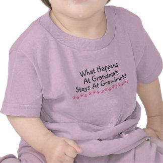 Ce qui se produit aux séjours de grand-mamans aux  t-shirts