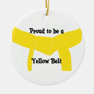 Ceinture jaune d'arts martiaux fière ornement rond en céramique